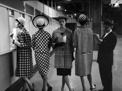 Nina-leen-5-models-wearing-fashionable-dress-suits-at-a-race-track-betting-window-at-roosevelt-raceway