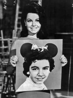 Annette_Funicello_Former_Mouseketeer_1975